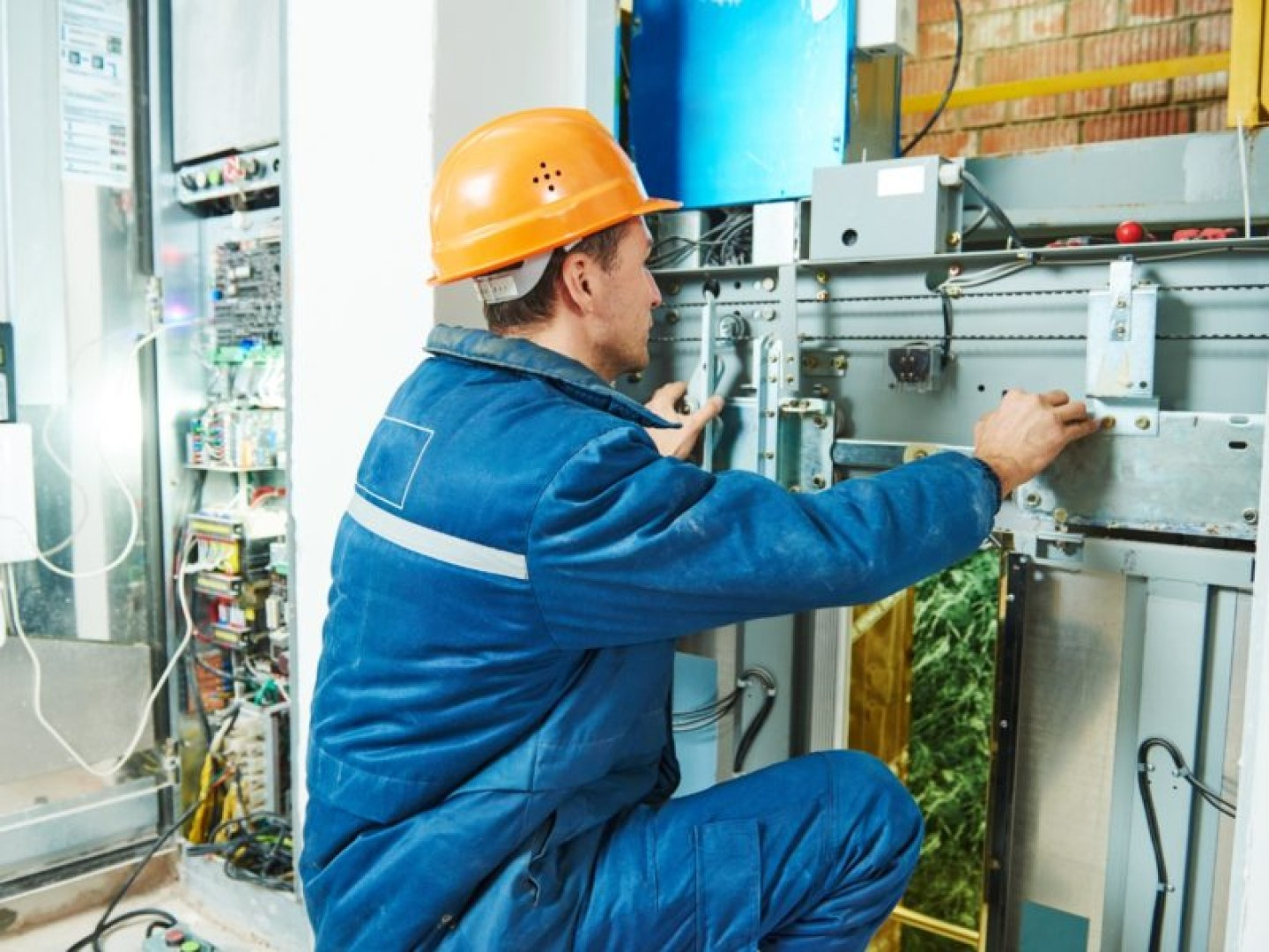 Lift Maintenance Management Consultants