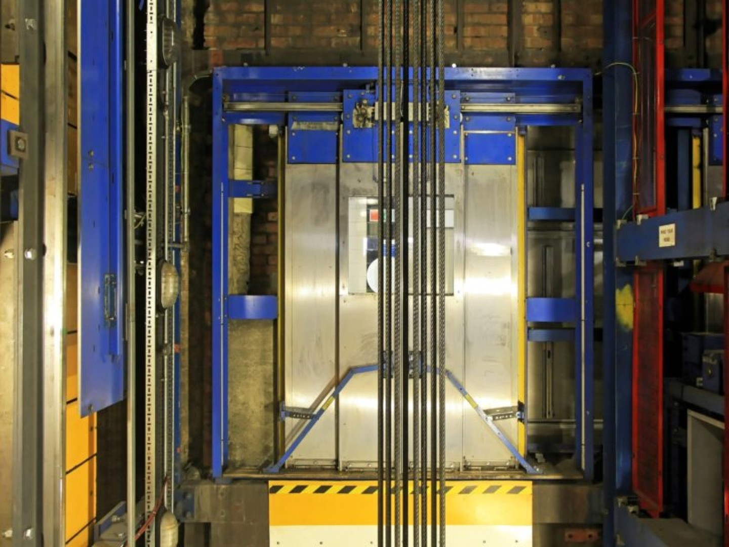 Lift consultants in london